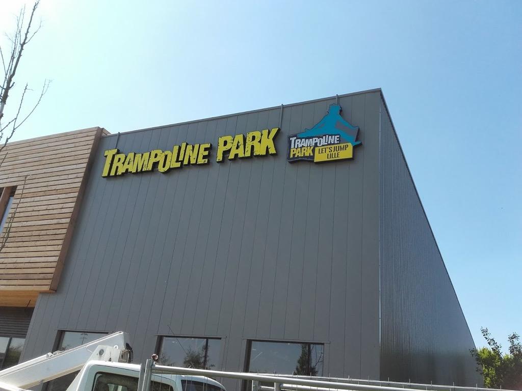 Neodia - trampoline park-Lettres boitiers-lettres découpees